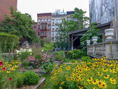 eliz-st-garden